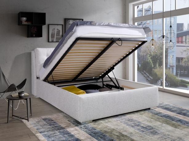 Mīksta gulta ANDREJ ar spilveniem