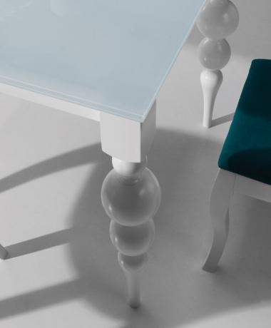 Izvelkamais galds LAUREL balts/melns